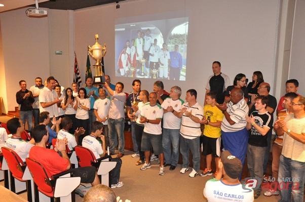 http://media.saocarlosagora.com.br/uploads/trofeus001.jpg