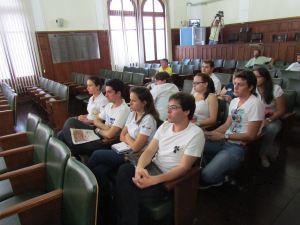 http://media.saocarlosagora.com.br/uploads/lunosmedicinacamara3.jpg