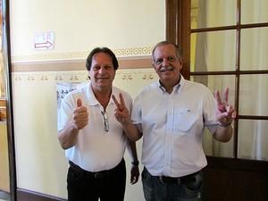 Cotrim e o vice André Fiorentino na escola Álvaro Guião (foto Tiado da Mata)