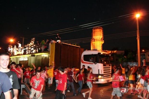 http://media.saocarlosagora.com.br/uploads/tusca20102.jpg