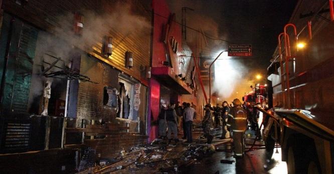 Incêndio na Boate Kiss, em Santa Maria (RS) deixou 231 mortos e mais de 120 pessoas gravemente feridas.