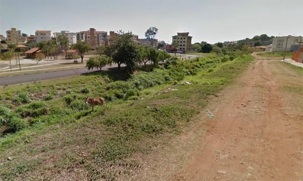 Abuso contra adolescentes teria acontecido em matagal perto do antigo Kartódromo.
