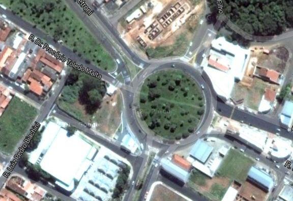Praça fica em frente a UPA do Santa Felícia, e deve ser inaugurada até o final do ano.