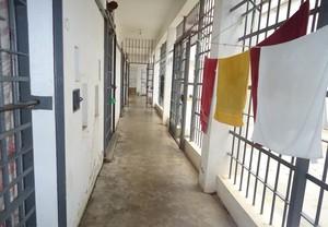 Centro de Triagem vive superlotação com a greve dos agentes penitenciários.