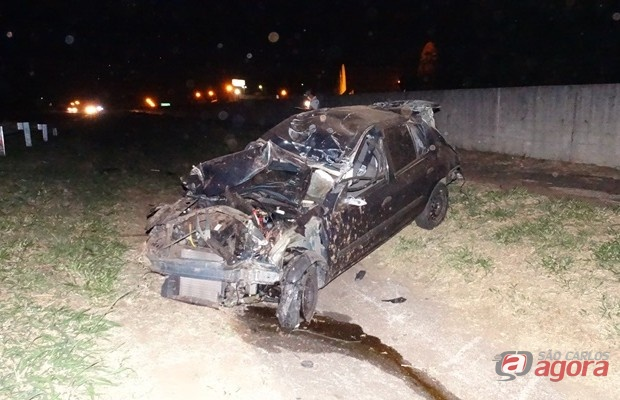Jovem de 24 anos morreu em capotamento na Washington Luis. (foto Milton Rogério).