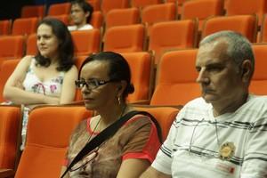 Rosecler e o marido acompanharam o debate após o filme Ex-machina. Foto: Divulgação